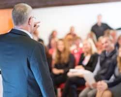 マネージャー必見! 部下を効果的にまとめるための「マネジメント・コミュニケーション」を鍛えよう