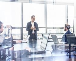 社内コミュニケーションを活性化させる方法を考える