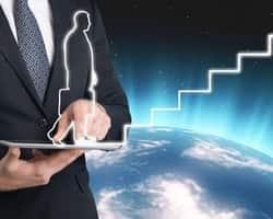 【経験者が語る】海外就職後に考えられるキャリアとそれに向けた行動の重要性