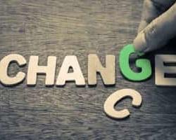 過去から脱却する!IT化の進展で分散型へと向かうビジネスモデル|ビジネスモデルにみる組織のあり方 Vol.4
