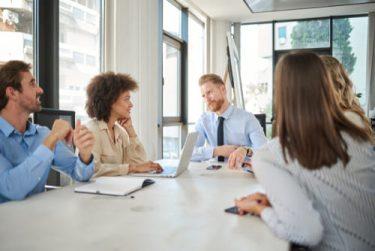 女性だらけの職場で生きる術 男性リーダーが意識している3つのポイント