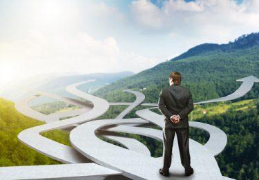 「積み上げ思考」に陥っていませんか?意思決定のスピードを格段に上げる「仮説思考」を徹底解説!